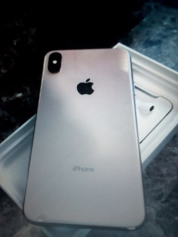 Selling➖Brand NEW📲 iPhone XS Max 256GB-Gold-↘️Unlocked↙️Text ME6️⃣6️⃣9️⃣〰️2️⃣4️⃣7️⃣〰️2️⃣9️⃣2️⃣1️⃣❗