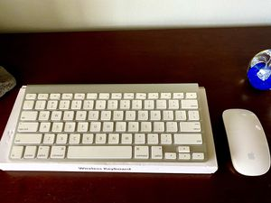 Apple magic keyboard and mouse for Sale in Oakland Park, FL