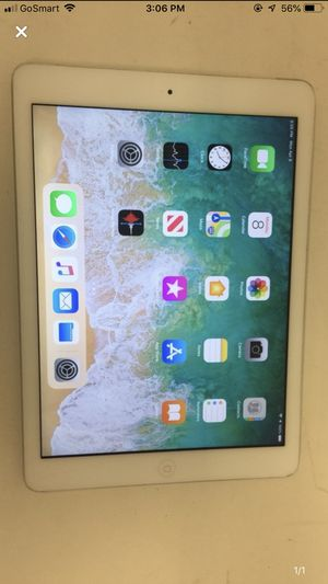Apple air 1 white 128gb wifi and with charger for Sale in Houston, TX