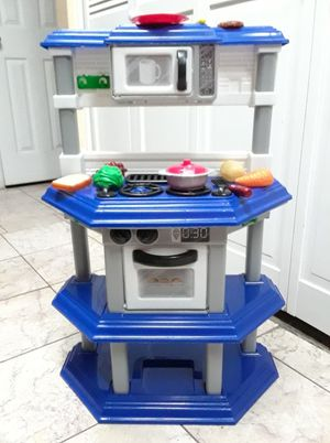 "Play kitchen 30"" tall for Sale in Phoenix, AZ"