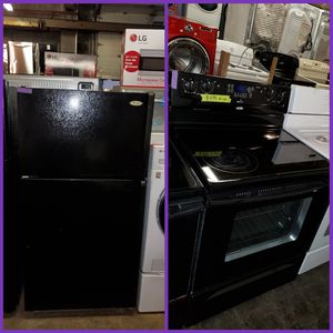 Whirlpool 2pc top Freezer Refrigerator + electric stove working perfectly four months warranty for Sale in Baltimore, MD