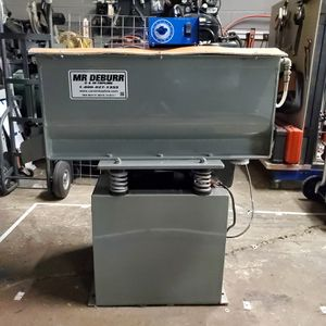 Mr. Deburr 300DB Package -LIKE NEW! for Sale in Lombard, IL
