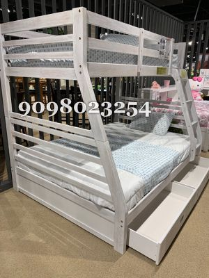 FULL/TWIN BUNK BEDS W ORTHOPEDIC MATTRESS INCLUDED for Sale in Santa Fe Springs, CA