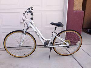 Diamondback road bike for Sale in Las Vegas, NV