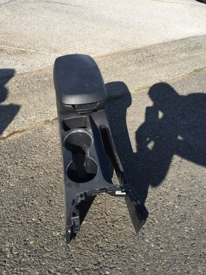 Hyundai Elantra arm rest for Sale in Rancho Cordova, CA
