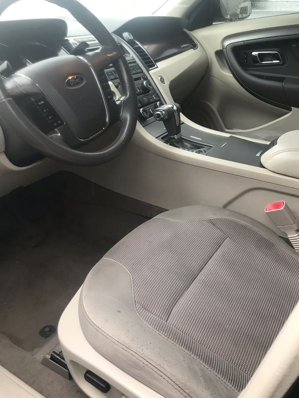 2012 Ford Taurus. 130 k. Good condition clean title
