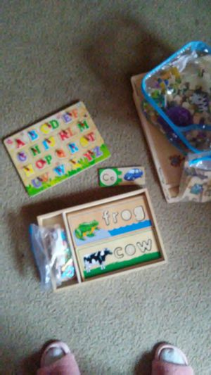 Melissa and Doug wooden puzzles and learning supplies for Sale in Baltimore, MD