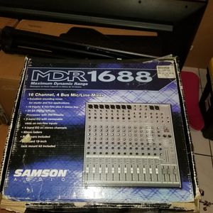 16 Chanel 4 Bus Mic/Line Mixer for Sale in Hialeah, FL