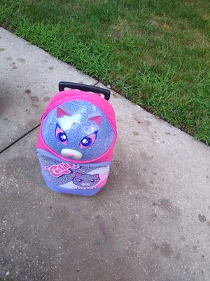 Girls suitcase 12.00 for Sale in Germantown, MD