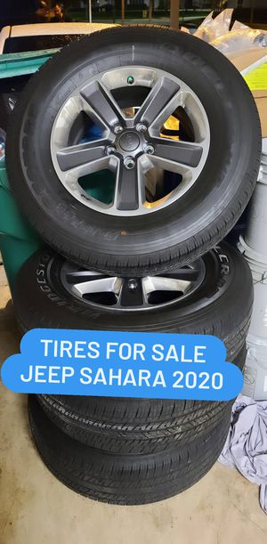 TIRES AND RIMS JEEP SAHARA 2021 for Sale in Miami, FL