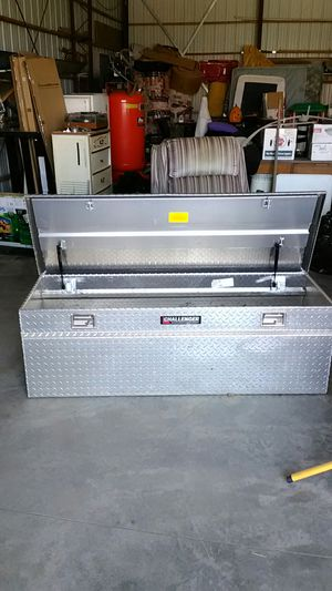 Tool box for pickups aluminum made by Challenger Excellent condition for Sale in East Wenatchee, WA