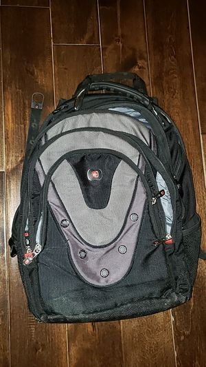 Swiss Gear backpack 17 inch for Sale in Baltimore, MD
