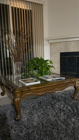 Coffee Tables - Set of 2 for Sale in Corona, CA