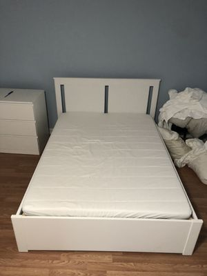 Ikea Songesand bed frame and foam mattress for Sale in Hawthorne, CA