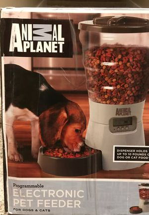 Animal planet programmable electronic dog cat pet feeder for Sale in Everett, WA