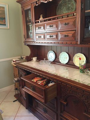 China closet cabinet for Sale in Pembroke Pines, FL