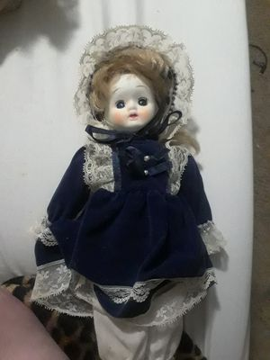 Antique porclin doll for Sale in San Antonio, TX