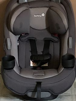 LIKE NEW SAFETY 1ST CONVERTIBLE CAR SEAT 3 In 1 for Sale in Riverside,  CA