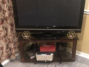 55 inch TV and stand. for Sale in Clermont, FL