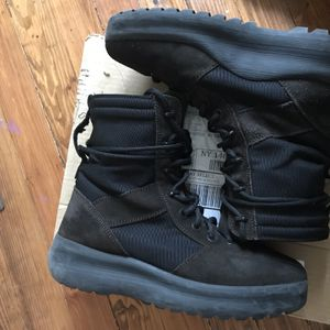 """Yeezy Season 3 """"Onyx"""" for Sale in Rochester, NY"""