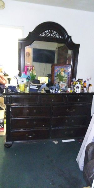Queen bed with dresser and mirror and nightstand with brand new mattress for Sale in Huntington Park, CA