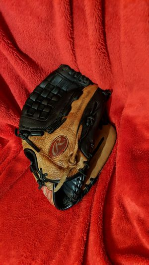 Rawlings baseball glove 12 inch for Sale in Upland, CA