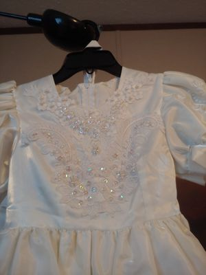 Kids dress size 8 white and pink pearls wedding dress for Sale in Greenville, NC