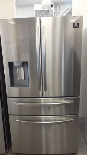 Stainless steel Samsung Refrigerator ICE & water for Sale in Haines City, FL