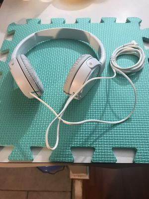 Sony Studio Series Wired Headphone White for Sale in Philadelphia, PA
