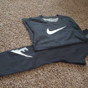 Nike women's set for Sale in Fresno, CA
