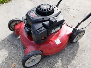 Yard machine lawn mower 125cc 20in cut for Sale in NO FORT MYERS, FL