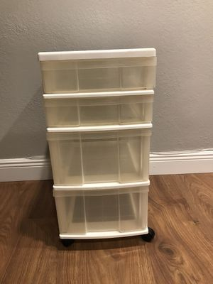 Storage cabinet-4 draws on wheels. Good Condition for Sale in Pompano Beach, FL