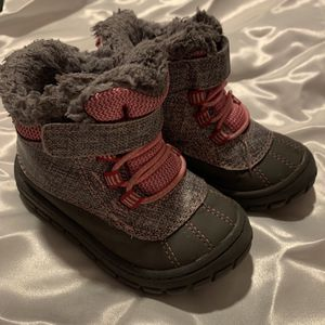Toddler Snow boots for Sale in Phoenix, AZ