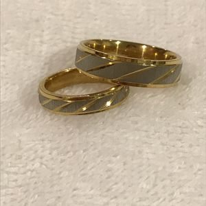 🤩💍18K Gold plated - Matching Cute Set - Gold Striped for Sale in Dallas, TX