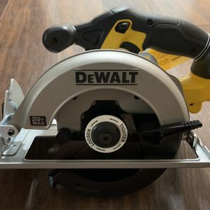DEWALT 20-Volt MAX Lithium-Ion Cordless 6-1/2 in. Circular Saw (Tool-Only) for Sale in Gresham, OR