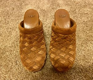 UGG Arroyo Weave Clogs Brown Chestnut Size 7 for Sale in Richardson, TX