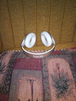 Bluetooth beats headphones for Sale in Las Vegas, NV