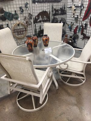 Table w/ 4 chairs for Sale in Fort McDowell, AZ