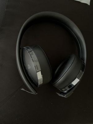 PS4 GOLD HEADSET for Sale in Kissimmee, FL