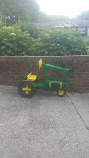 Planter for Sale in Inman, SC