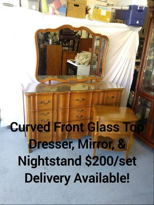 Solid Wood Glass Top Curved Front Bedroom Set for Sale in Peoria, AZ