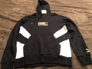 Men's hoodie Puma size medium for Sale in Santa Maria, CA