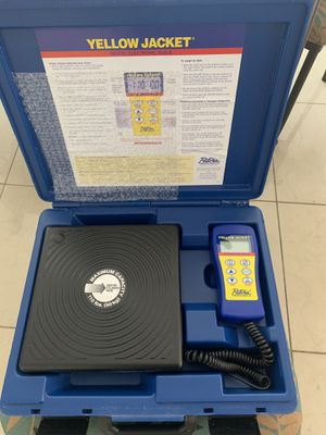 Yellow Jacket electronic charging scale. Pesa para Freon for Sale in Miami, FL