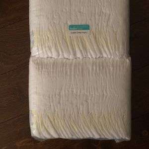 Brand new unopened pampers 62 count size 2 for Sale in Smyrna, GA