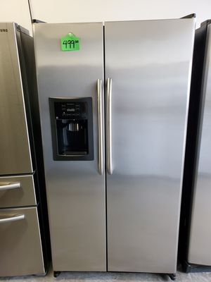 Refrigerator GE Stainless steel for Sale in Lawrenceville, GA