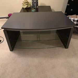 TV stand with 2 shelves for Sale in Alhambra, CA