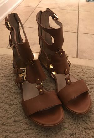 Michael kors size 8 sandals for Sale in Fairfax, VA
