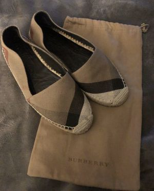 Burberry shoes size 39 $120 OBO for Sale in Ceres, CA