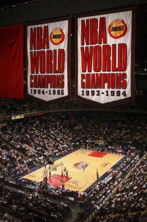 2x Cheap Center Sideline Aisle Houston Rockets Tickets vs Sharks & Spurs for Sale in Houston, TX