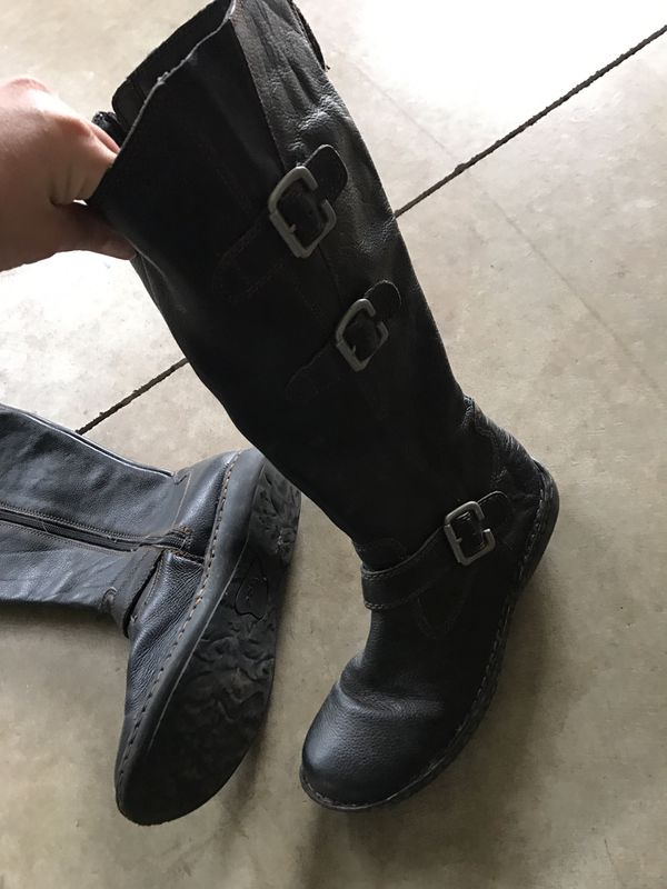 Women's knee high black leather boots size 9